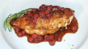 Chicken-currants640x360