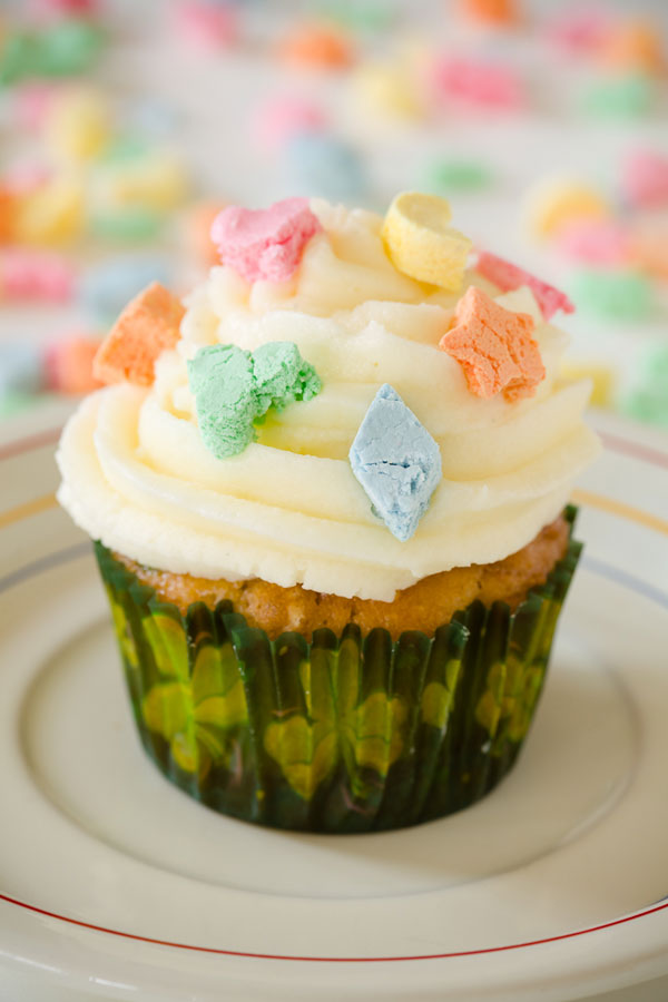 Lucky-Charms-Cupcakes
