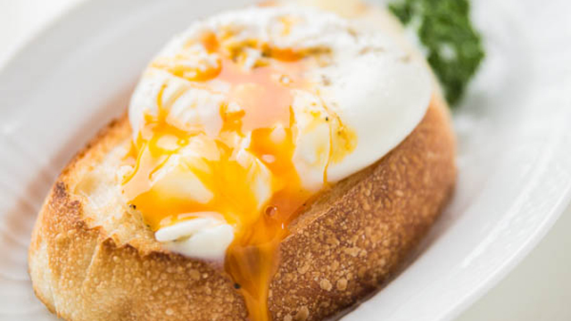 How to Poach an Egg | Fresh Tastes Blog | PBS Food