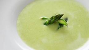 asparagus-soup640x360