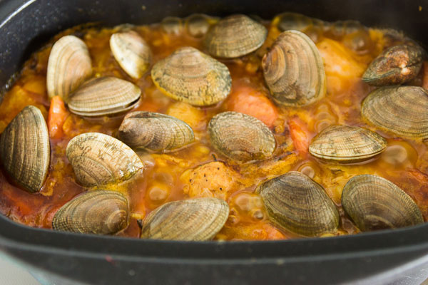 Clams and Chicken Paella