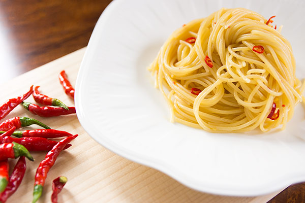 10-Minute Spaghetti Aglio Olio e Peperoncino