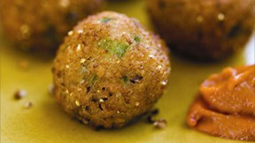 black-eyed-pea-fritters640x360