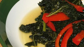 kale-red-bell-pepper640x360