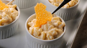 Macaroni and cheese with mornay sauce