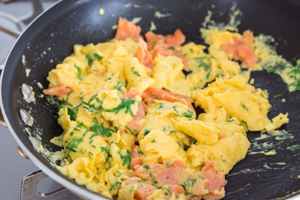 Smoked salmon scrambled eggs recipe fresh tastes blog pbs food smoked salmon and herb scramble forumfinder Image collections