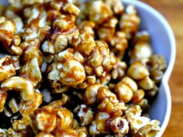 Simply-Recipes-Caramel-Corn