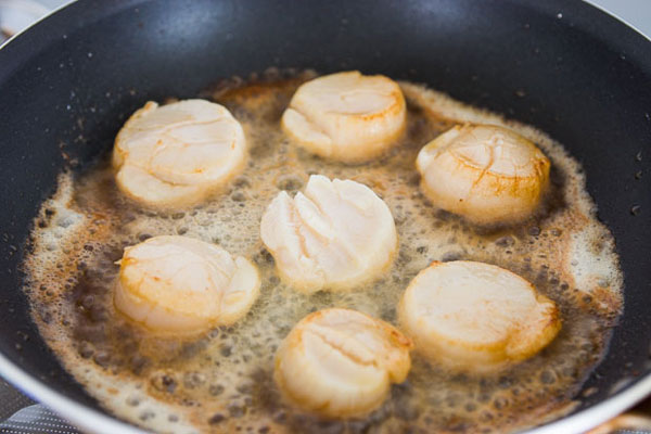 spagetti-soy-sauce-butter-scallops-2