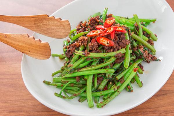 Kangkung Goreng recipe