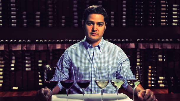 How to Taste Vino Like a Sommelier