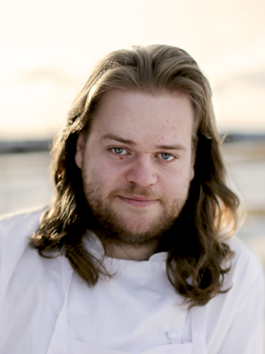 Headshot of Chef Magnus Nilsson