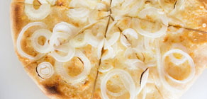 Spring Onion and Gruyere Pizza recipe