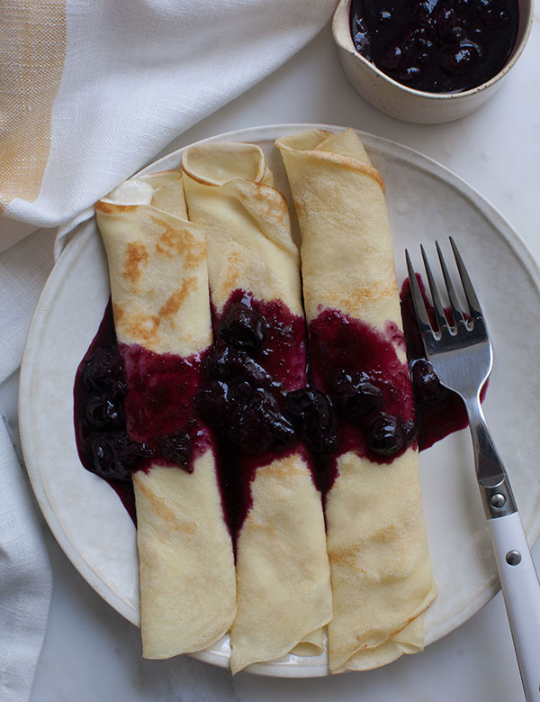 crepes-honey-ricotta-blueberry-sauce-4