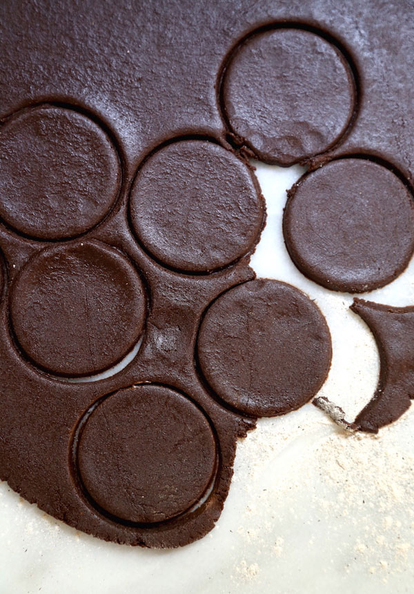 Healthier Homemade Oreos recipe