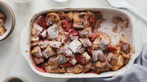 Strawberry Bread Pudding Recipe