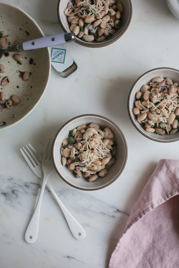 This White Bean Salad is a simple, go-to summer side dish with garlic, parsely and onions.
