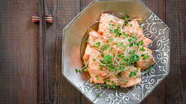 For a quick and healthy meal, try this recipe for Ginger-Marinated Poached Salmon.
