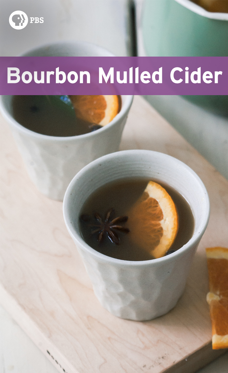 Bourbon Mulled Cider has cardamom, bay leaf, and slice of oranges and lemon for a fragrant fall drink.