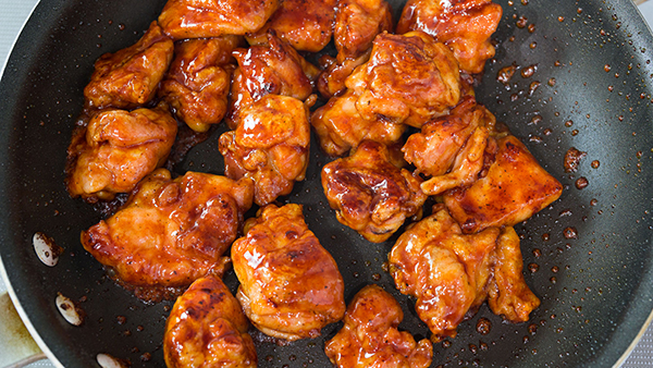 Honey Paprika Chicken is a sweet and savory weeknight dinner that you can make in 10 minutes.