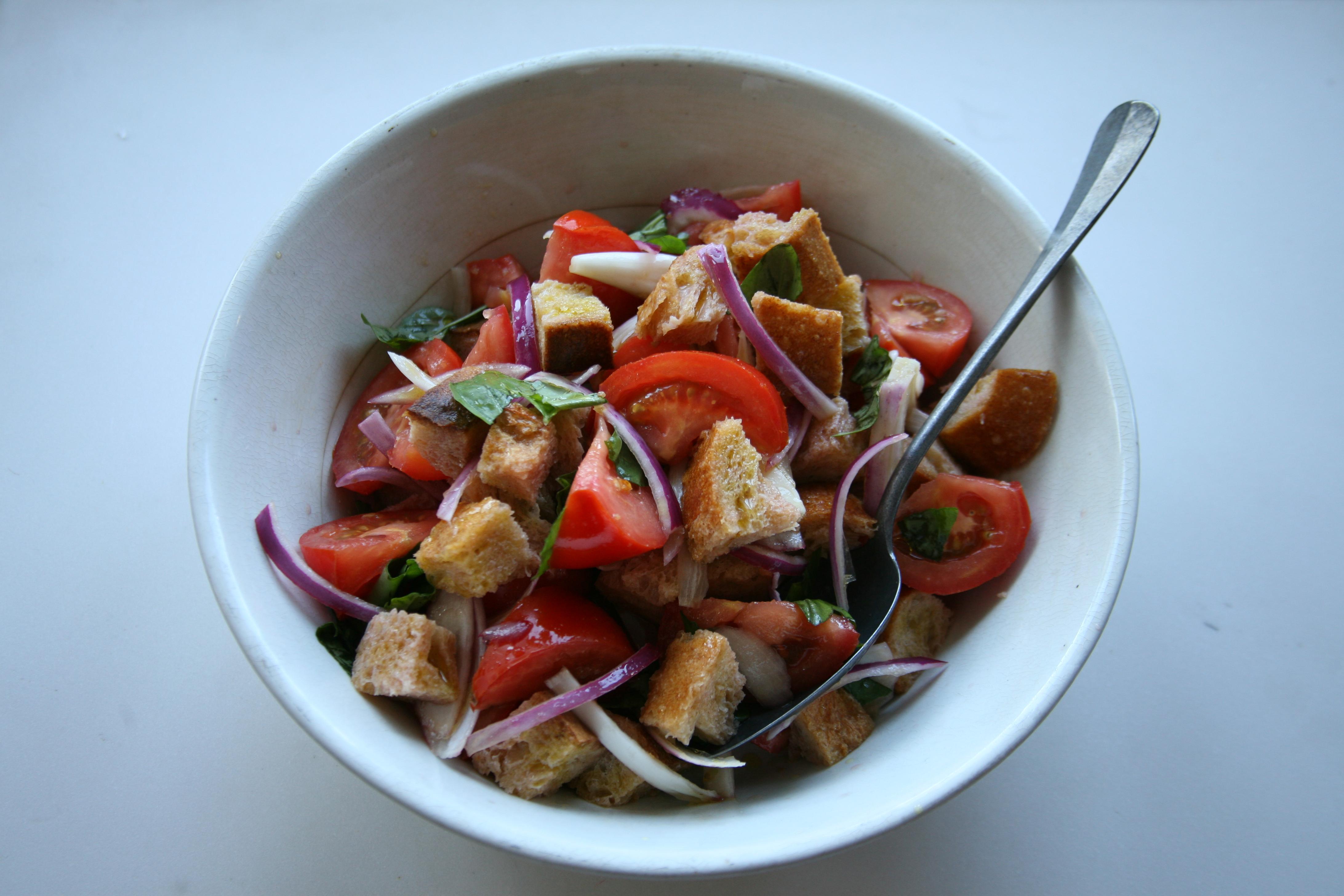 Lidia Celebrates America Tomato And Bread Salad Panzanella Pbs Food