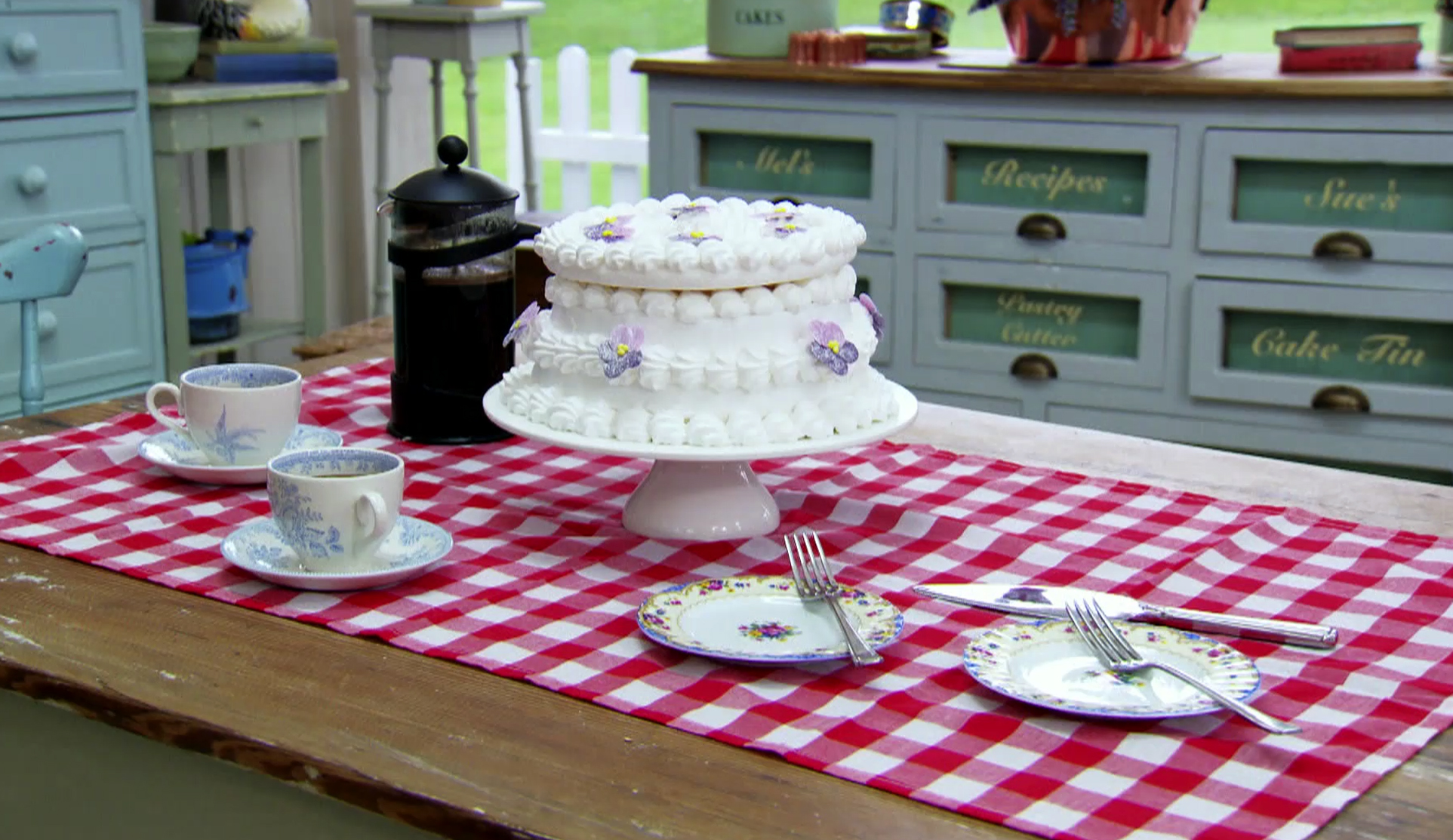 Spanische Windtorte Recipe Austrian Recipes Pbs Food