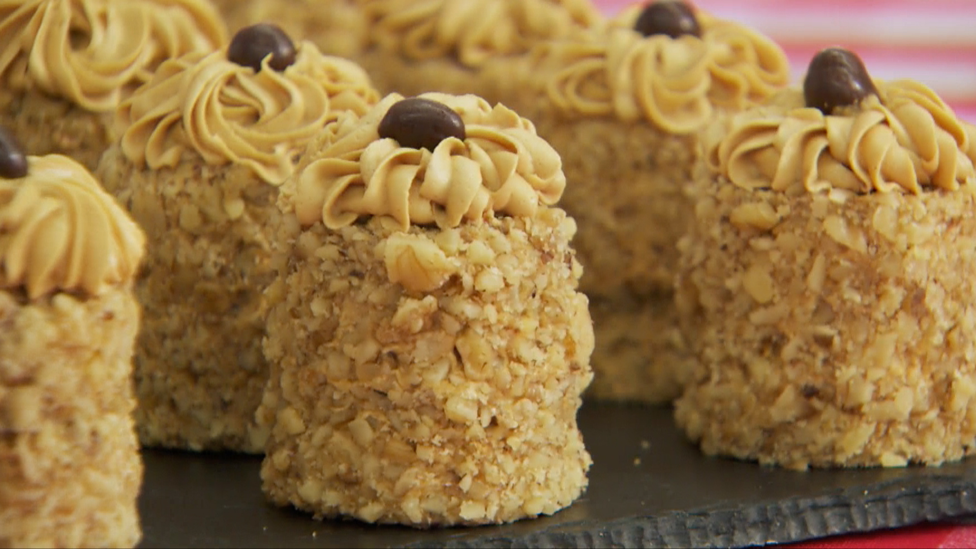 GBBA0111-Coffee-Walnut-Cake