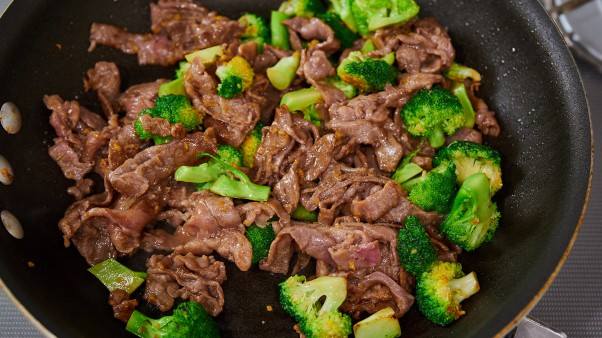 Beef and Broccoli Yaki Udon Recipe