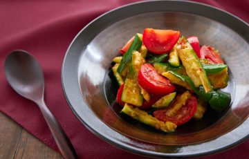 spicy cucumber tomato salad