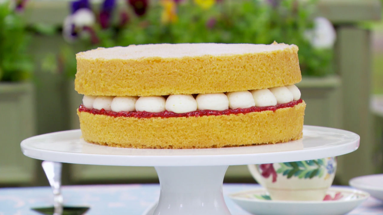 Easy To Make Victoria Sponge Cake