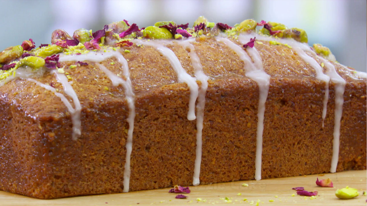 Lemon And Almond Drizzle Cake