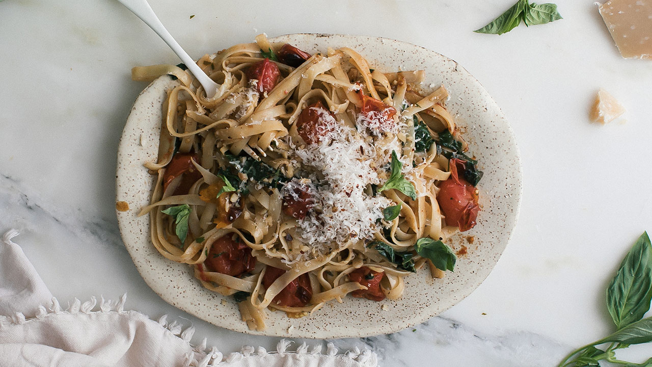 Light and Refreshing Tomato Anchovy Pasta