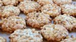 Pine-nut cookies