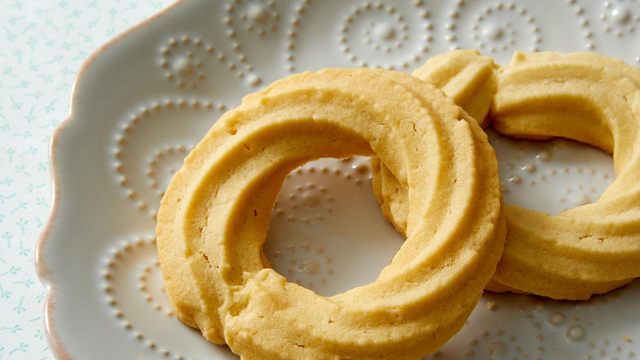MBAK901-Danish-Butter-Cookies-Recipe