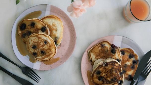 Blueberry-Pancakes-horizontal