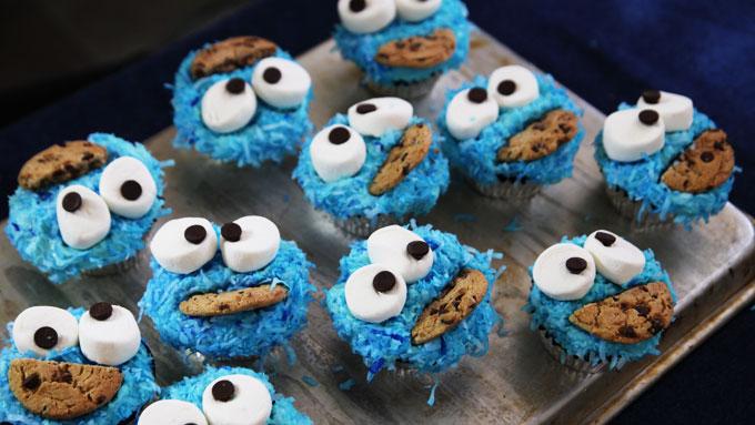 Cookie-Monster-Cupcakes-2