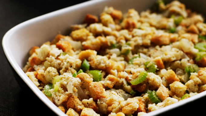 Easy-Simple-Thanksgiving-Stuffing
