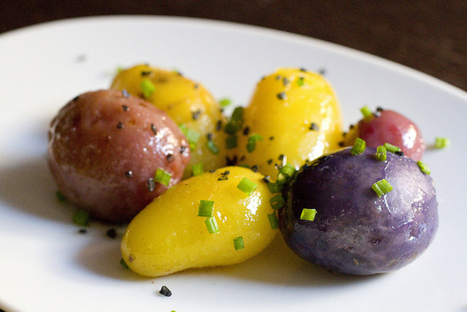 Food-Mayhem-Buttered-Baby-Potatoes