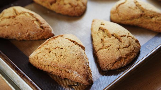 baked-carrot-scones