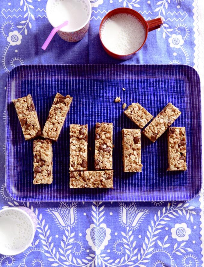 chocolate-chip-granola-bars