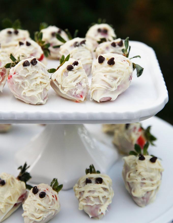 mummy-strawberries