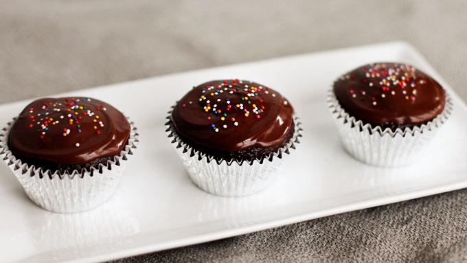pbs-chocolate-cupcakes