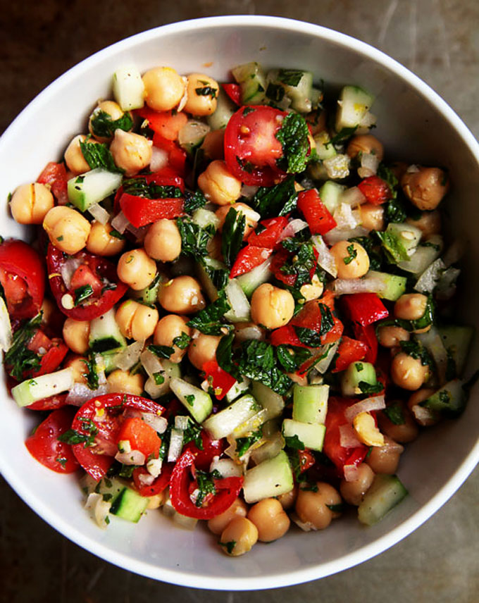 summer-chickpea-salad