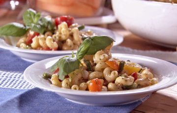 Pasta Salad with Mozzarella, Tomatoes and Green beans