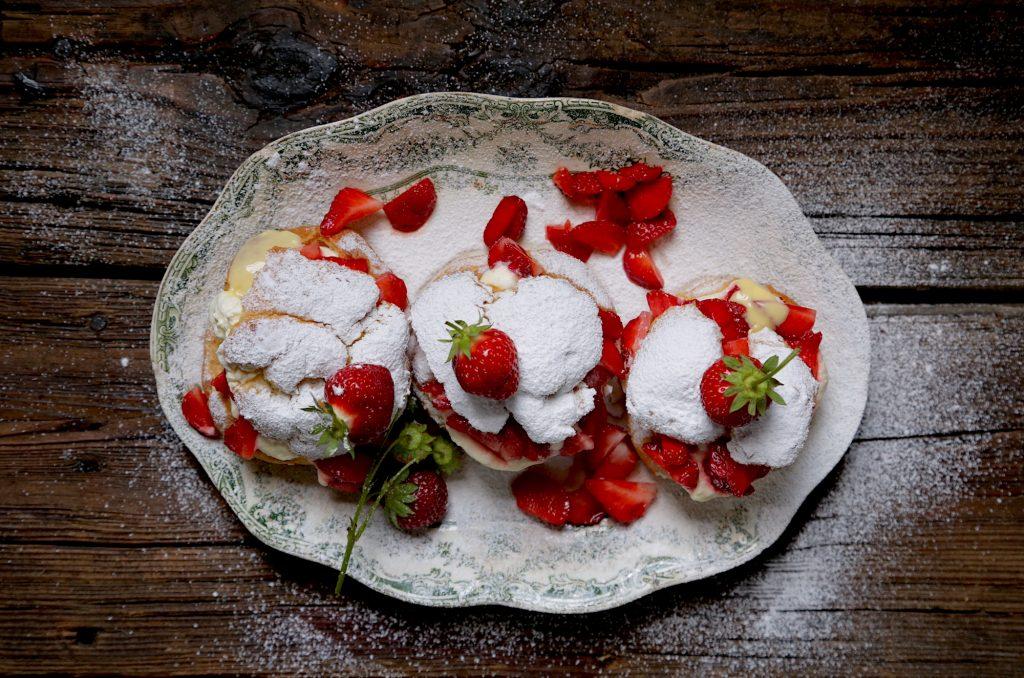 Prepared Strawberry Cream Puffs