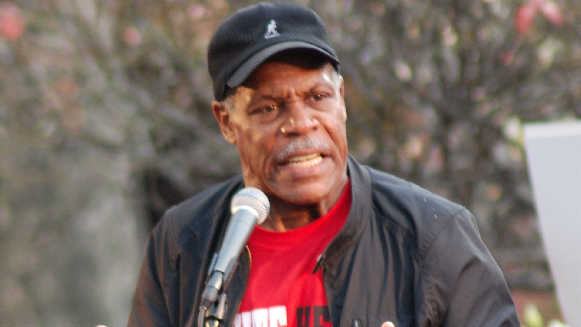 Danny Glover at the Writer's Guild of America East Solidarity Rally in Washington Square (2007)