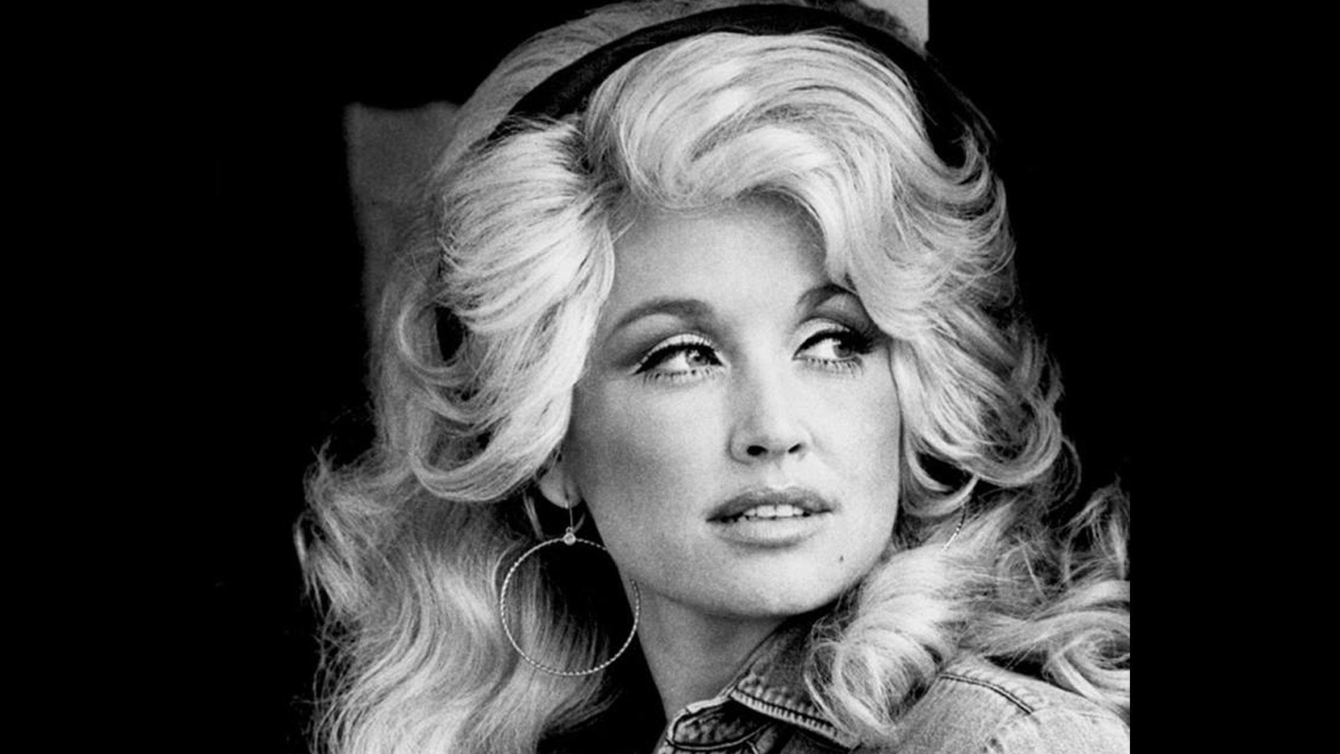 Dolly Parton, 1977 (public domain image, RCA Records)