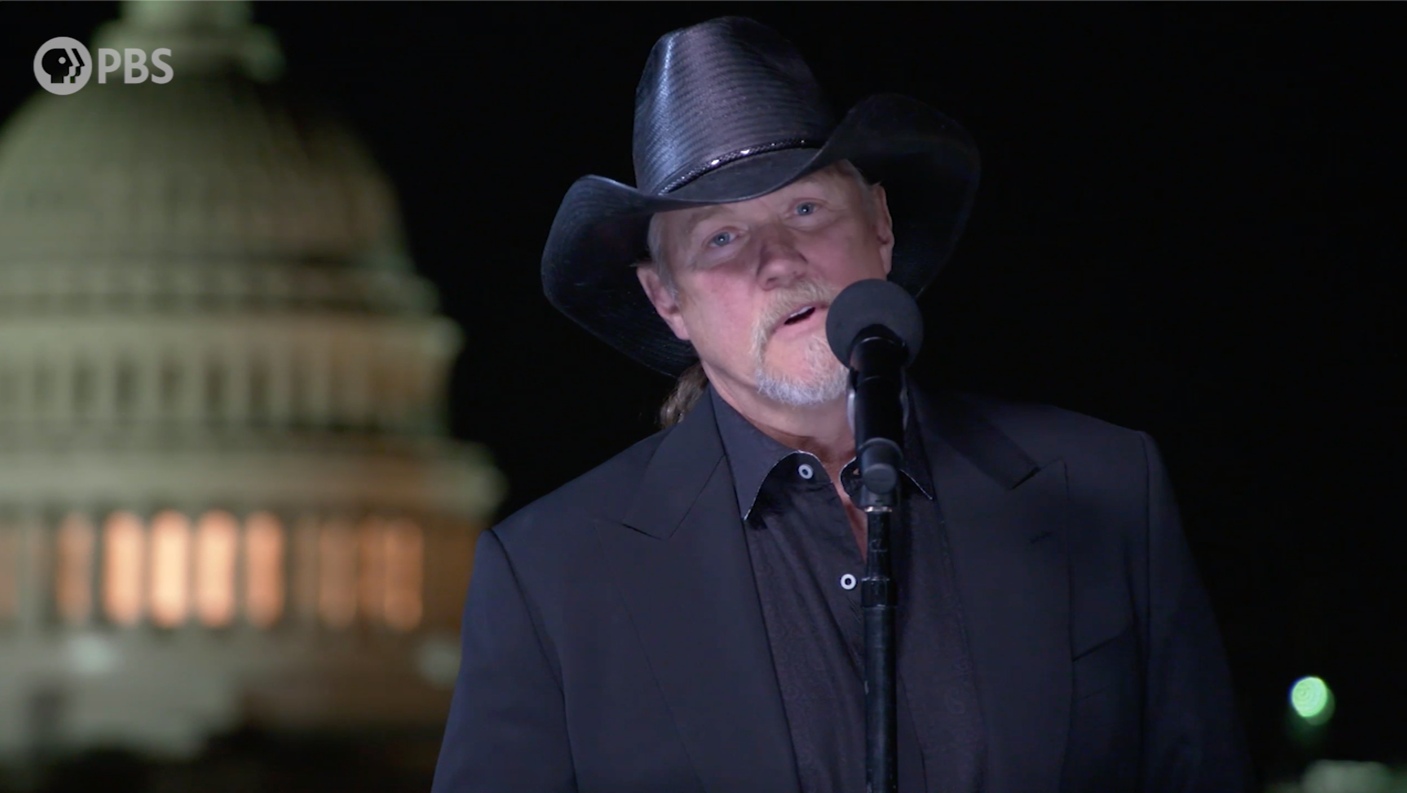 Behind the Scenes Interview with Trace Adkins