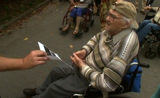 Poetry Project Helps Dementia Patients Live in the Moment