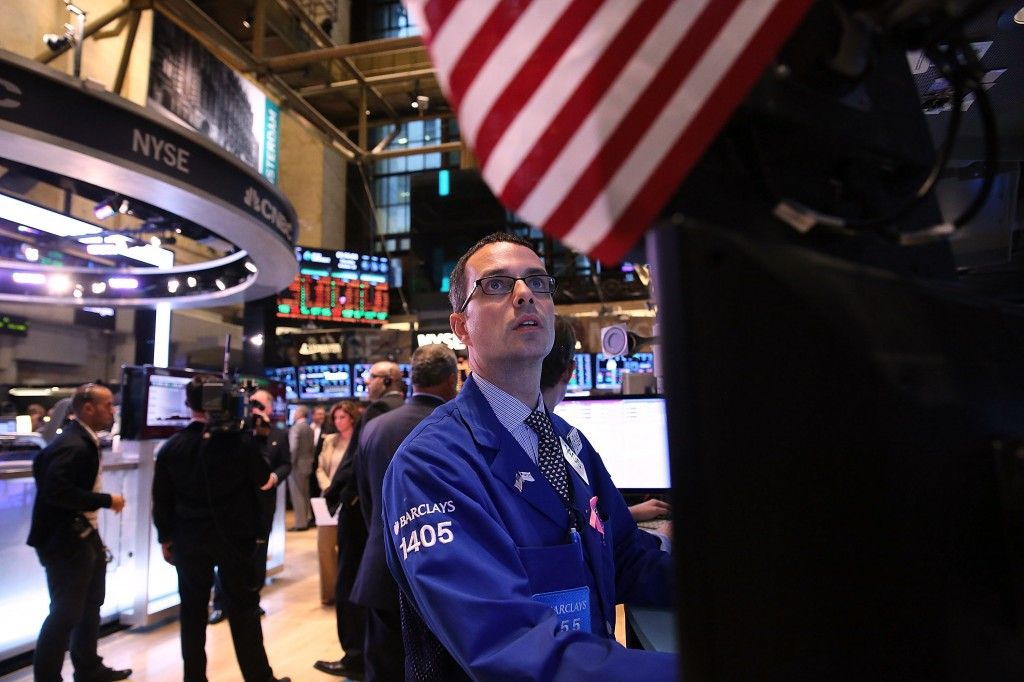 Dow Jones plummets to its worst performance since 2009. Photo by Getty Images.