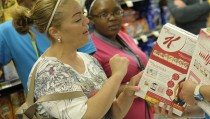 At ShopRite on the Riverfront in July, a tour with Christiana Care Health System dietitians showed Anthony Graves and other local teenagers that healthy eating often starts with reading the label. Photo by Flickr user Christiana Care Health Systems